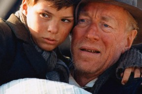 Pelle the Conqueror Pelle Hvenegaard and Max von Sydow Directed by Biller August Photo Credit:Rolf Konow ©Nordisk Film